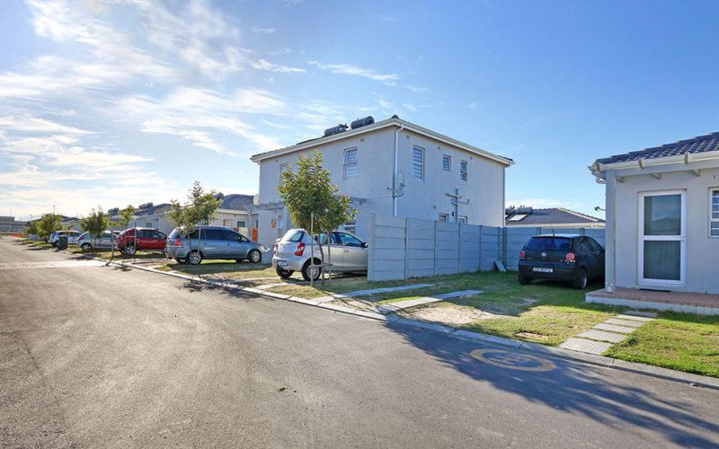 Double storey freestanding home in De Hoop Phase 3
